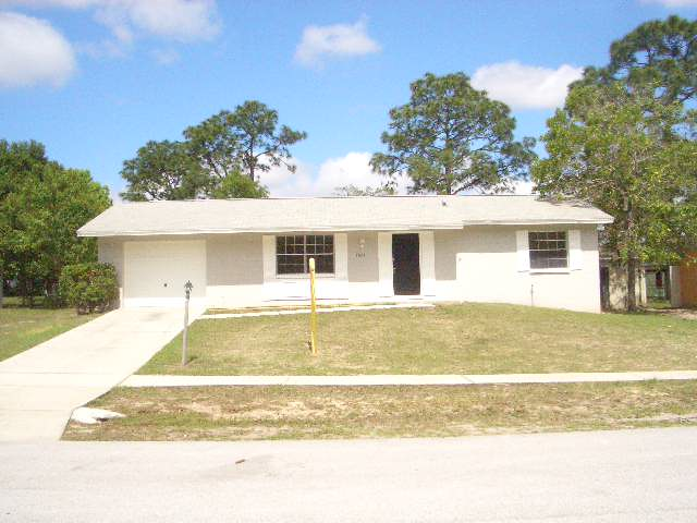 Spring hill fixer upper for sale for Fixer upper homes for sale by owner